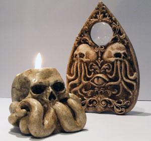 <span>Cthulhu Eye planchette & Skull candleholder</span><i>→</i>